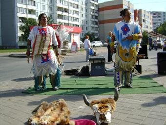 Индейцы в Пскове
